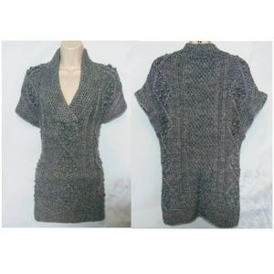 H&M Woman's Small Gray V Neck Short Sleeve Sweater